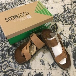 NWT White Mountain Sandals